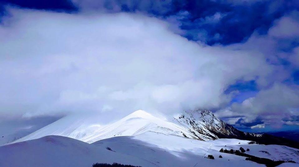 In Ciaspole Per Scoprire I Sibillini D Inverno 5 Itinerari Da Non Perdere Wabik Trekking E Cammini